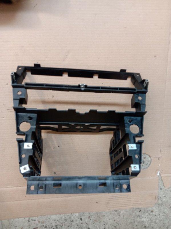 Крепление магнитолы Bmw 6-Series E63 N52B30 2006