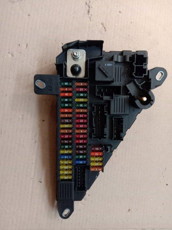 Блок реле и предохранителей Bmw 6-Series E63 N52B30 2006