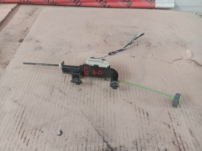 Замок лючка топливного бака Bmw 5-Series E60 N52B30 2008