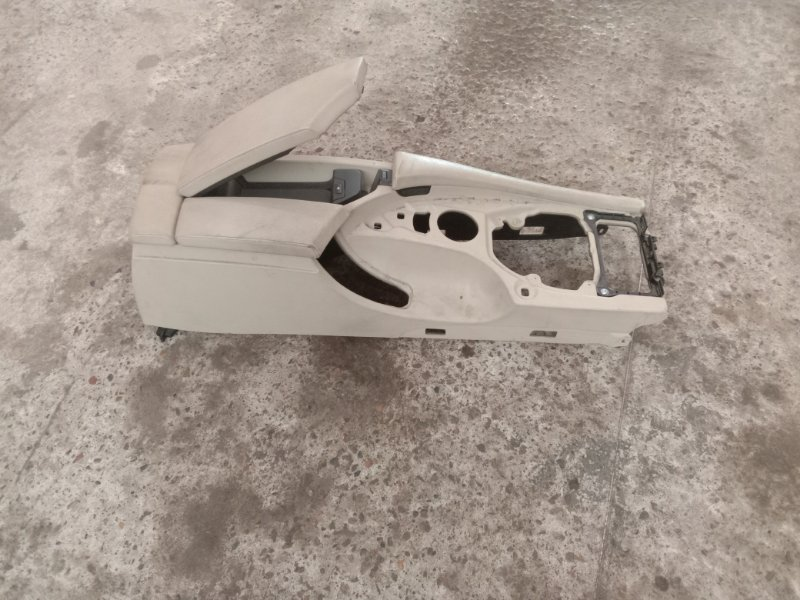 Подлокотник Bmw 5-Series E60 N52B30 2008