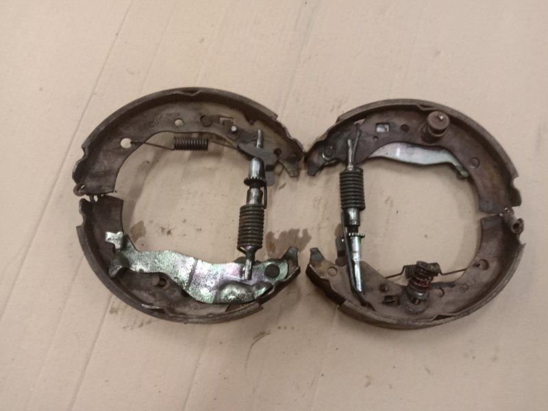 Механизм ручника Toyota Corolla Fielder NZE144G 1NZ-FE 2010