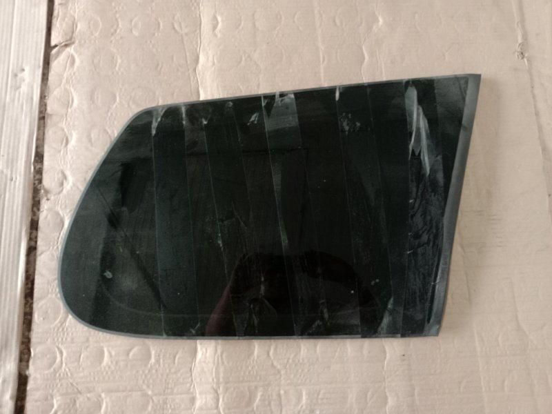 Стекло собачника Toyota Corolla Fielder NZE144 1NZ-FE 2010 правое