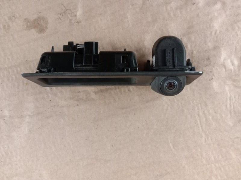 Камера заднего вида Bmw 5-Series F 10 N52B30A 2010