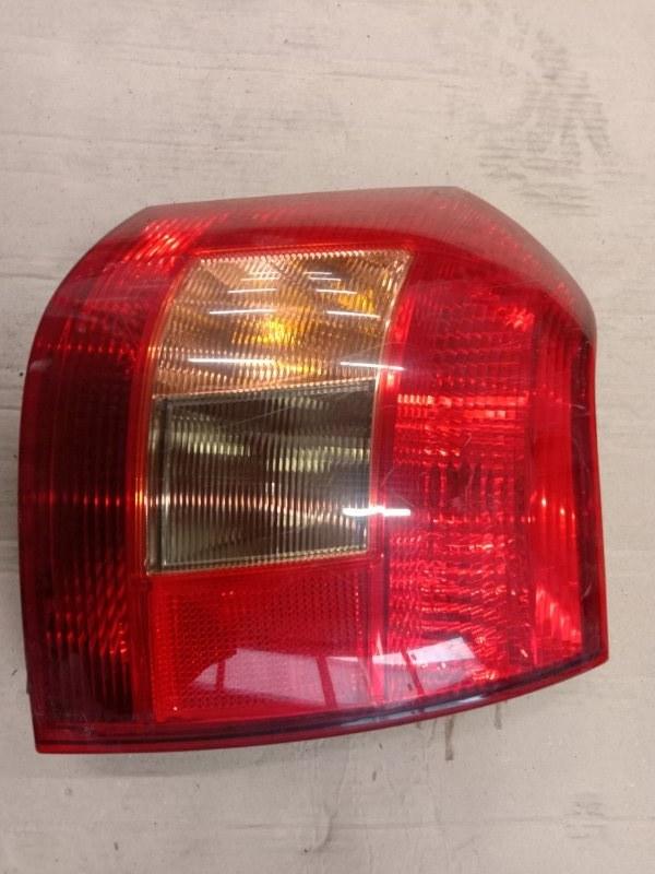 Фонарь стоп-сигнала Toyota Corolla Runx ZZE123 2ZZ-GE 2001 правый
