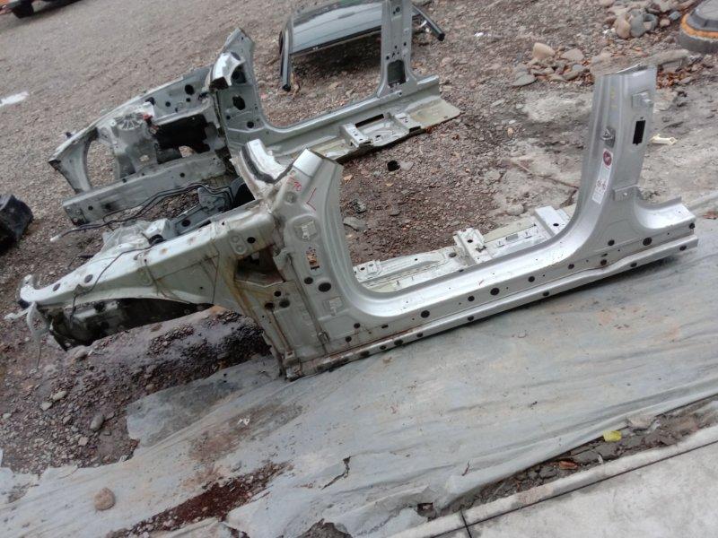 Лонжерон Bmw 5-Series F 10 N52B30A 2010 передний левый