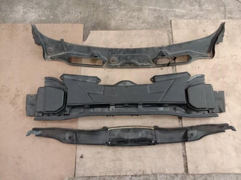 Решетка под дворники ( жабо) Bmw 3-Series E90 N54B30A 2006