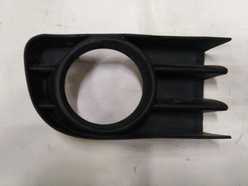 Решетка в бампер Renault Meganeii 2002 правая