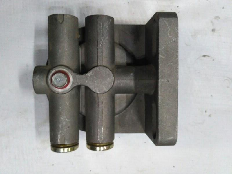 Кронштейн фильтра топливного грубой очистки Howo