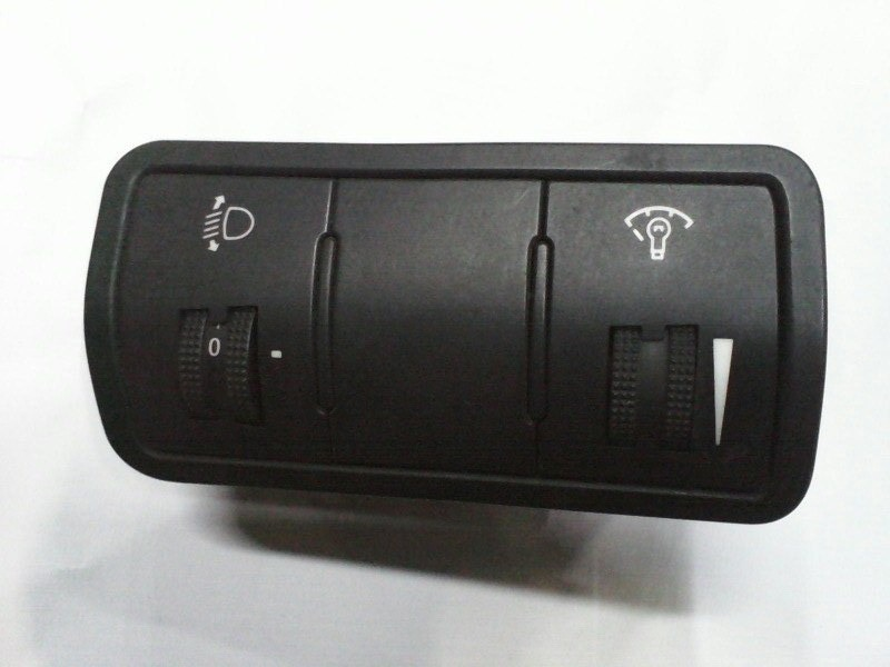 Кнопка корректора фар Hyundai Solaris G4FA 2010