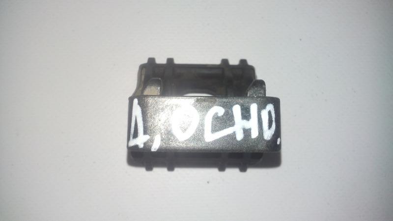Кронштейн радиатора Chevrolet Cruze XUFJA696JB3 F16D3 2009 верхний
