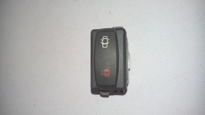 Кнопка центрального замка Renault Symbol 2008