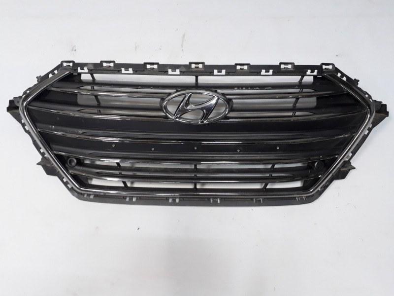 Решетка радиатора Hyundai Elantra 2016