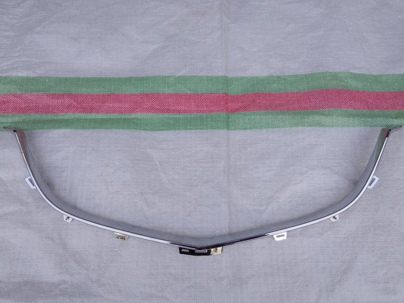 Молдинг решетки радиатора Mazda Cx-5