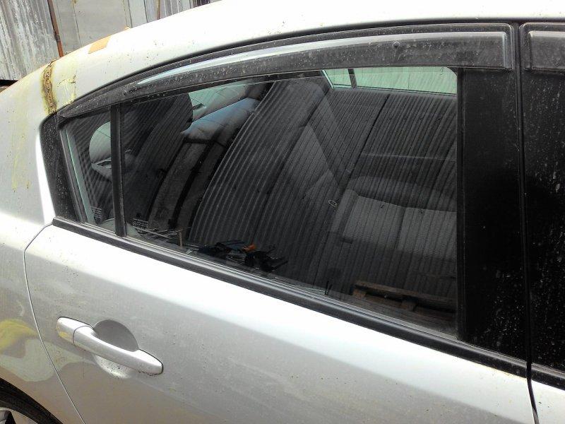 Стекло Mazda Axela BK3P заднее правое