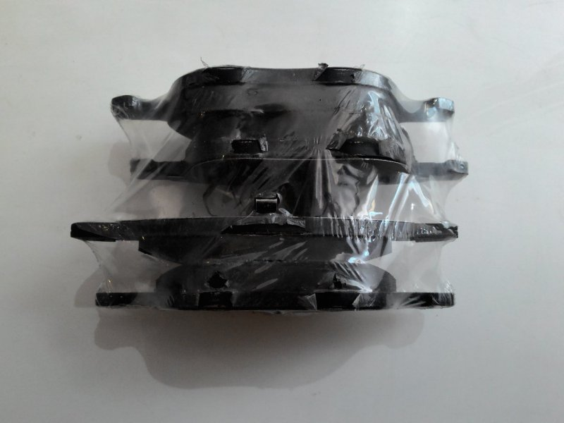 Тормозные колодки Mazda Axela BL3FW переднее
