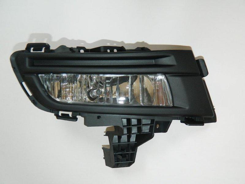 Фара противотуманная Mazda Axela BK3P правая