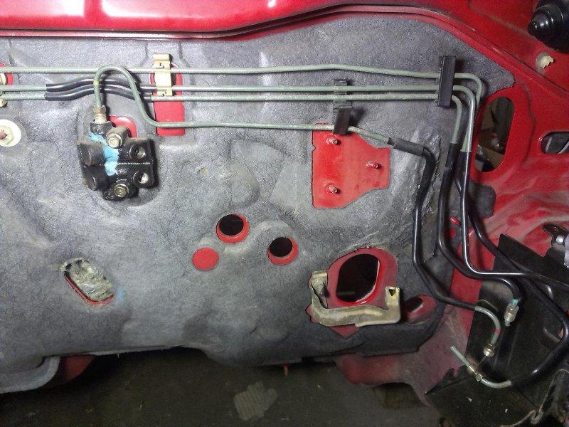 Трубка тормозная Mazda Familia BJEP B25D45380D верхняя