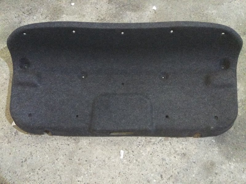Обшивка крышки багажника Mazda Axela BK3P