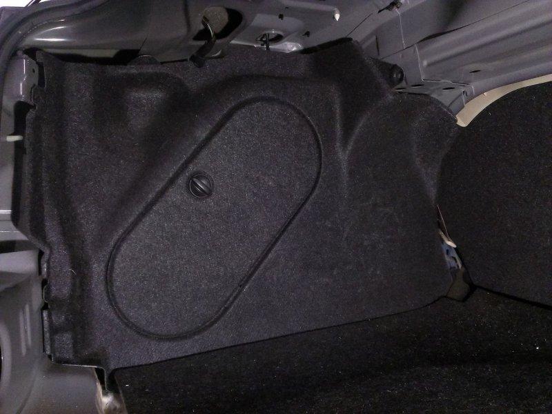 Обшивка багажника Mazda Axela BK3P левая