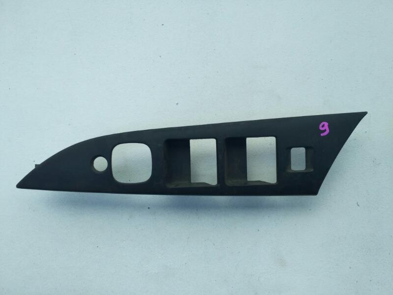 Накладка кнопок стеклоподъемника Mazda Axela BK 2003 передняя правая