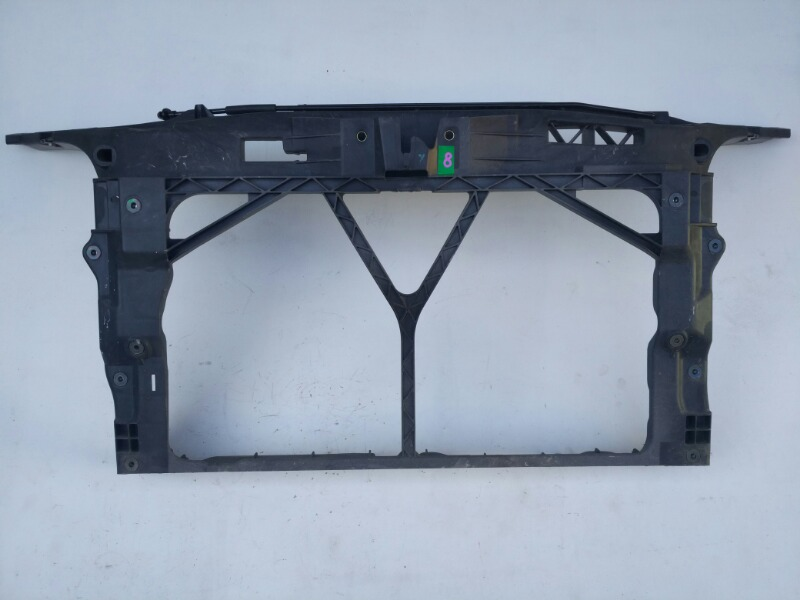 Рамка радиатора Mazda Axela BK 2003