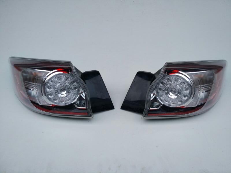 Стоп-сигнал Mazda Axela BL3FW задний