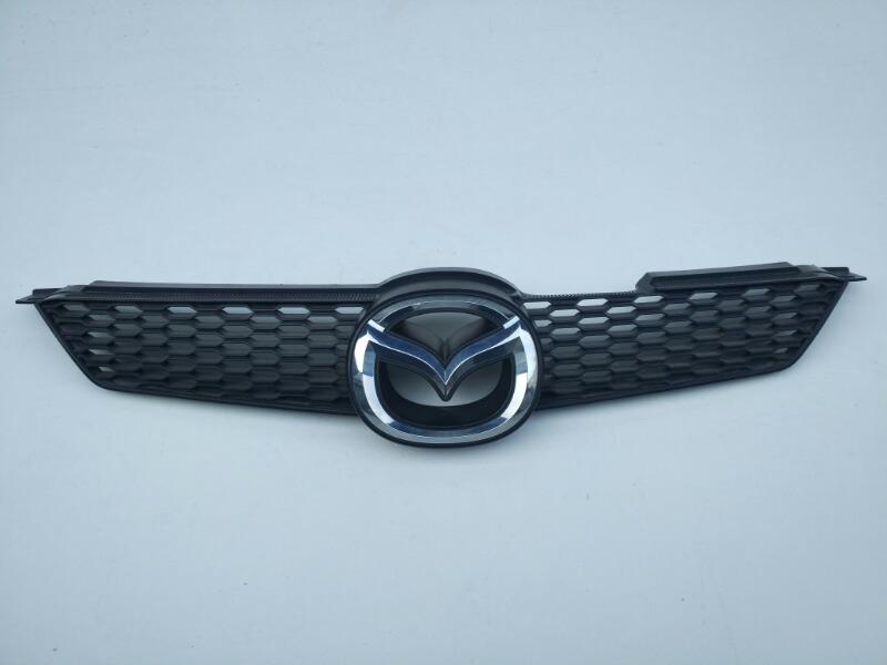 Решетка радиатора Mazda Demio DY 2005