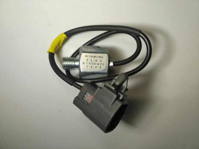 Датчик детонации Mazda Laser DW3W FSZE