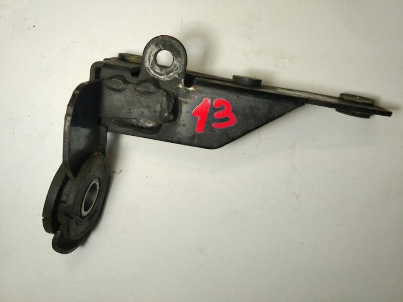 Крепление гидроусилителя Mazda Axela BK3P переднее