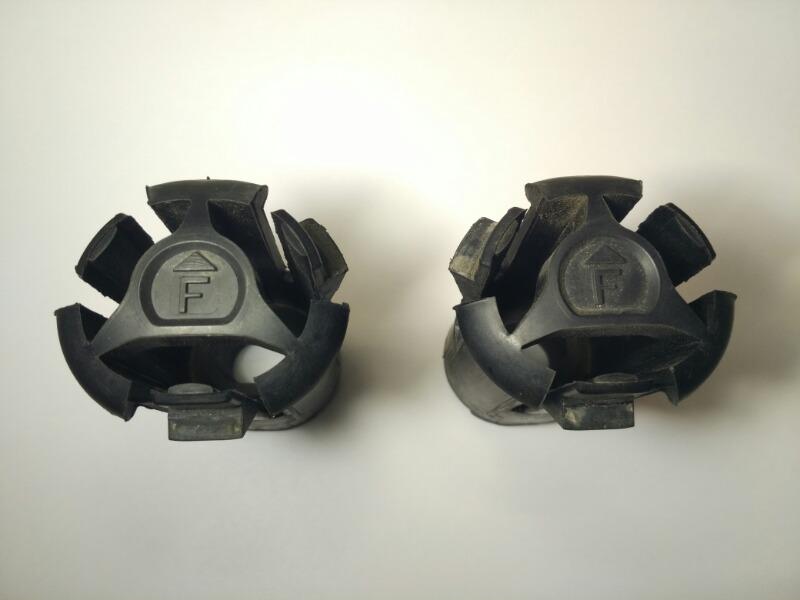 Втулки крепления радиатора Mazda Axela BK3P