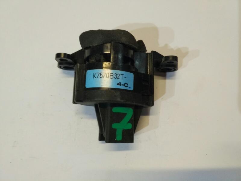 Датчик температуры воздуха Mazda Axela BK3P