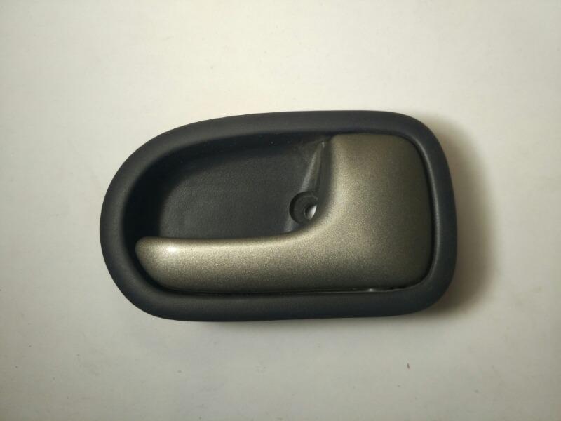 Ручка дверная салонная Mazda Laser BJ правая