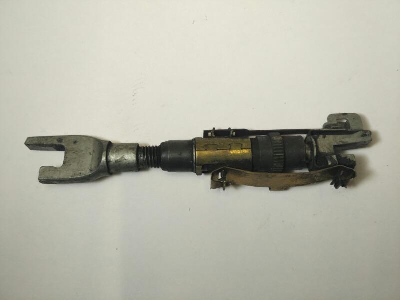 Натяжитель ручного тормоза Mazda Axela BK3P