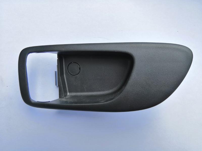 Накладка ручки внутренней Mazda Axela BK3P передняя левая