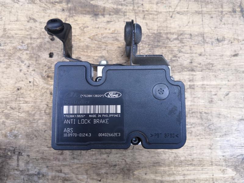 Блок abs Mazda Axela BK