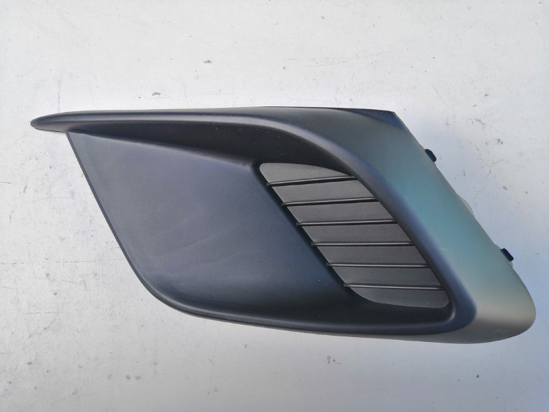 Заглушка противотуманной фары Mazda Mazda3 BM левая