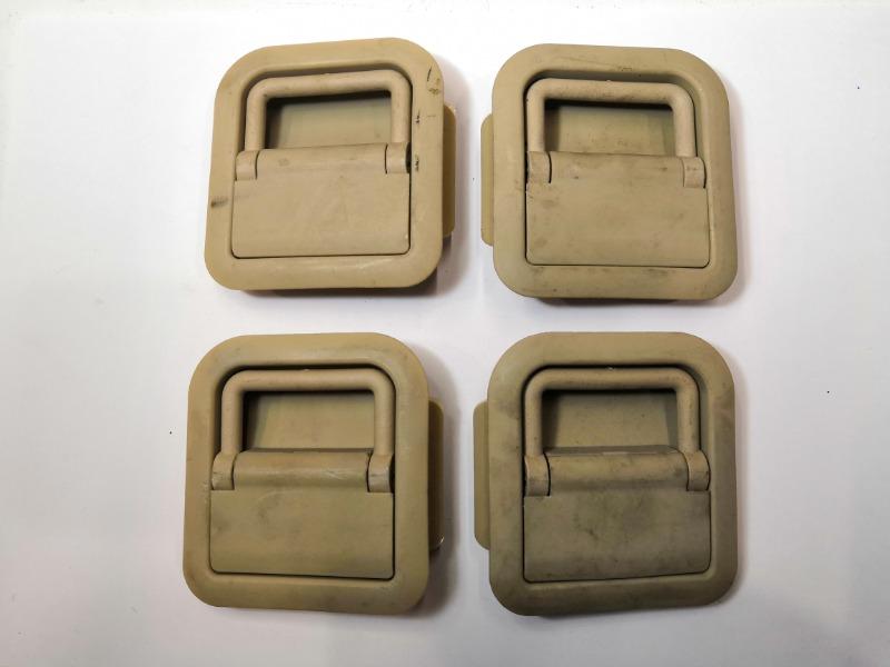 Крепления багажа Mazda Axela BK3P