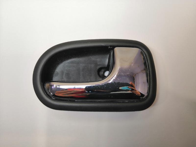 Ручка дверная салонная Mazda 323 BJ правая