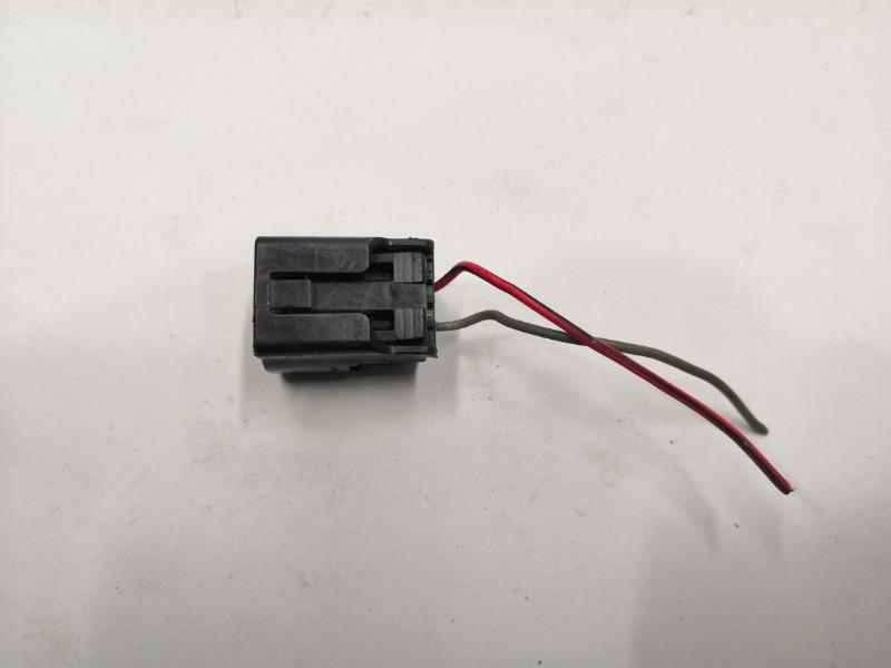 Разъем электро-клапана Mazda Axela BK3P