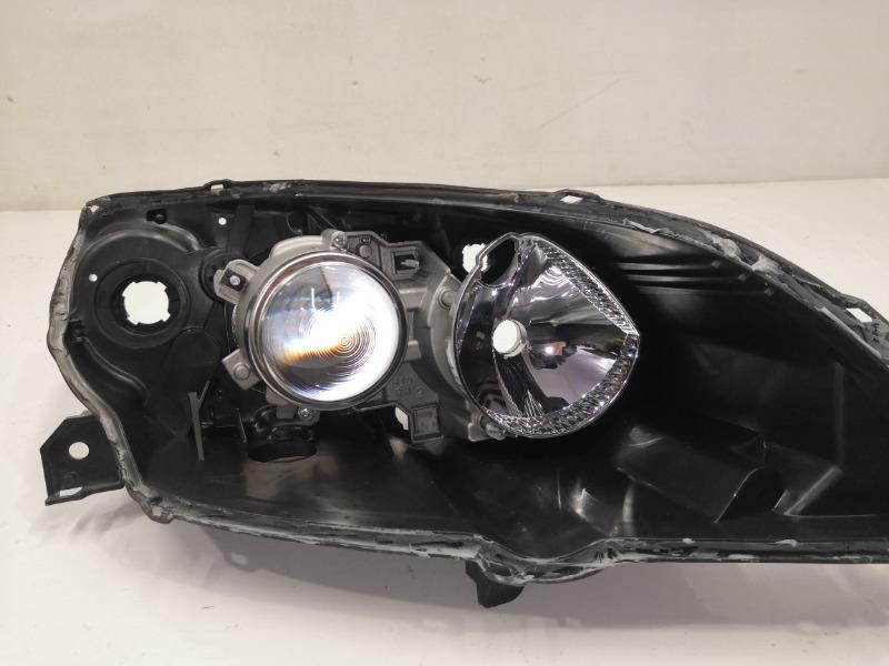 Отражатель фары Mazda Axela BK3P правый