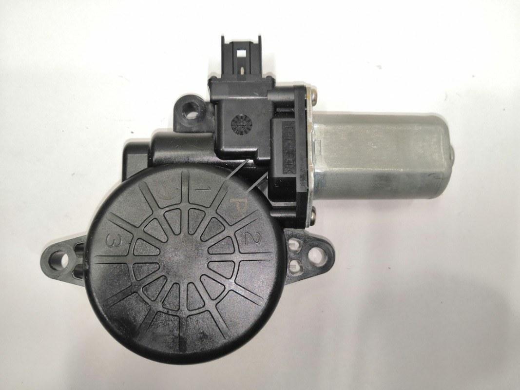 Мотор стеклоподъемника Mazda Axela BL передний правый