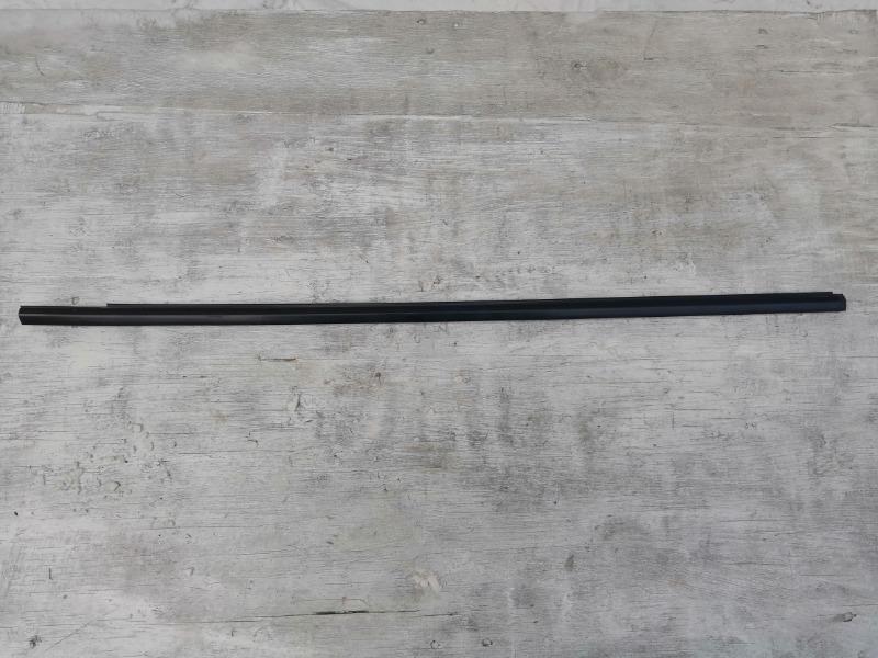 Молдинг стекла двери Mazda Axela BL передний правый