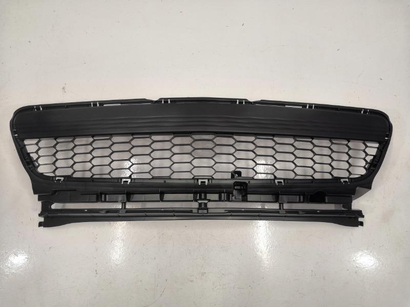 Решетка бампера Mazda Axela BK3P