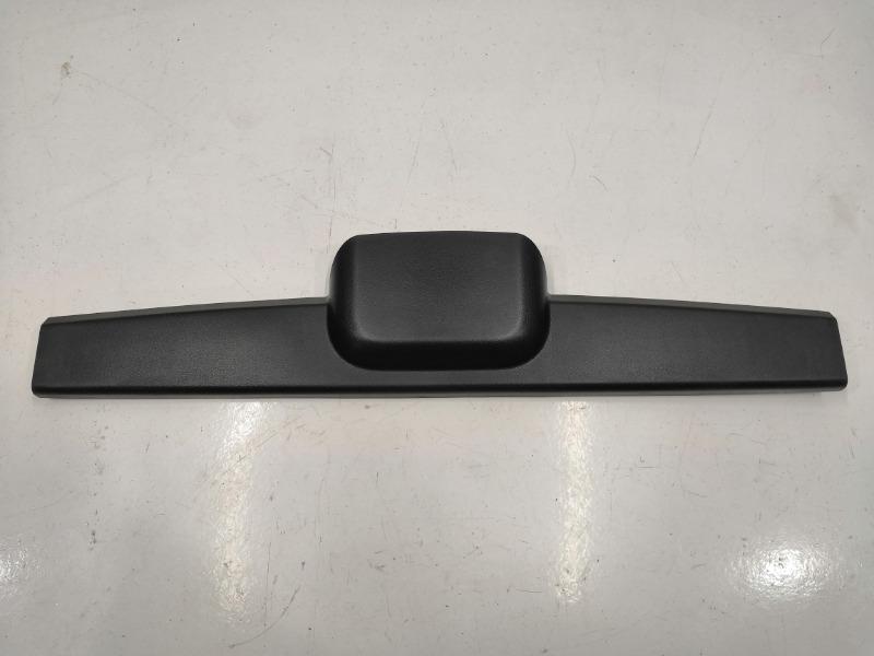 Накладка двери багажника Mazda Axela BK3P задняя верхняя