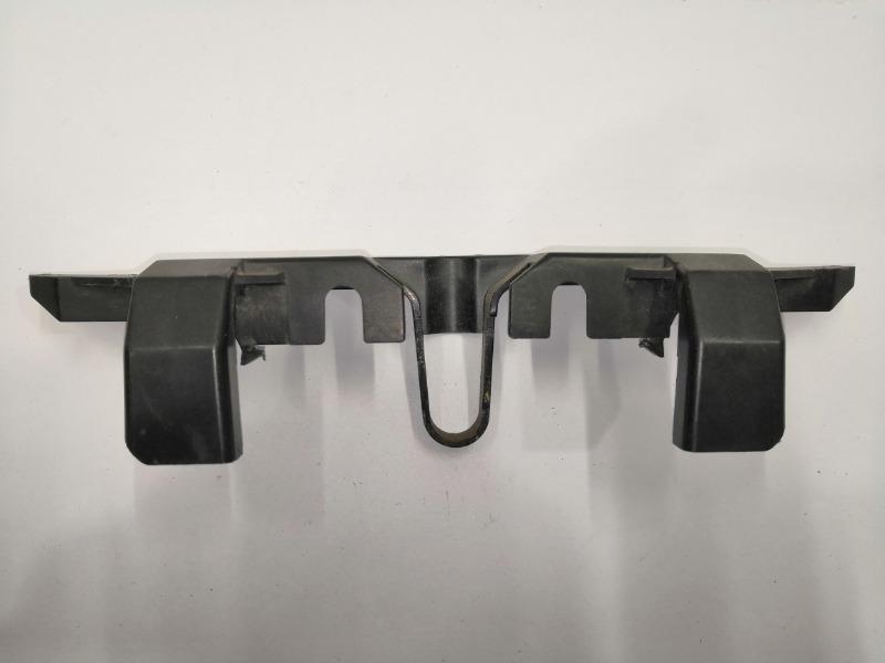 Накладка замка капота Mazda Atenza GH
