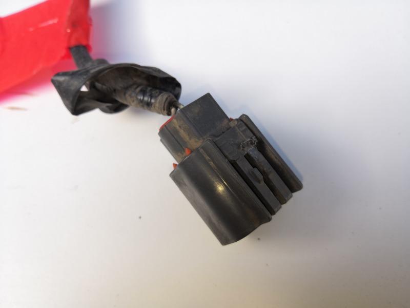 Разъем генератора Mazda Axela BK3P LFDE