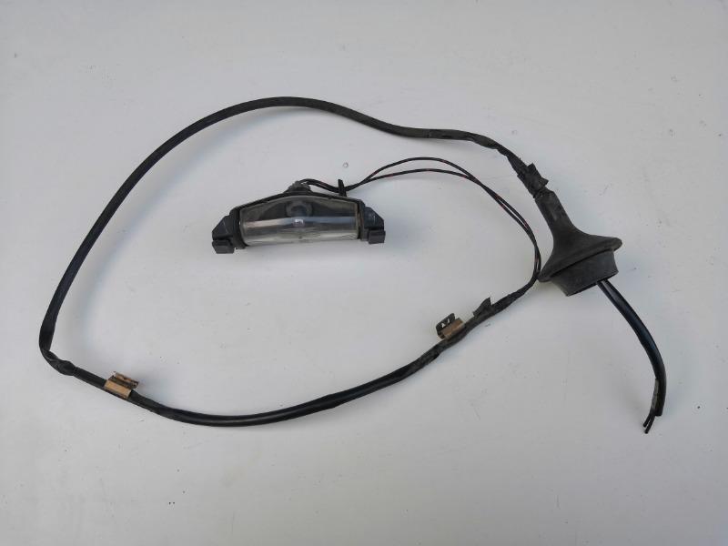Фонарь освещения номера Mazda Axela BK 2003