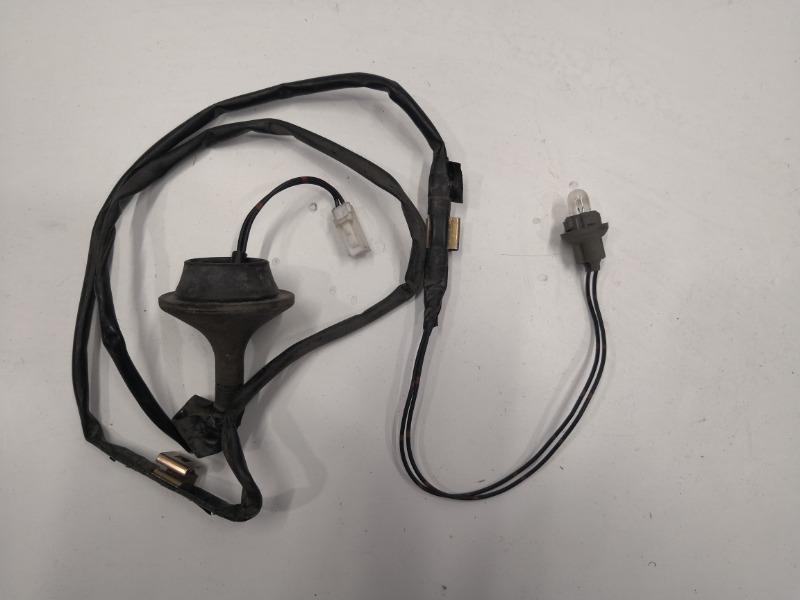 Фонарь освещения номера Mazda Axela BK