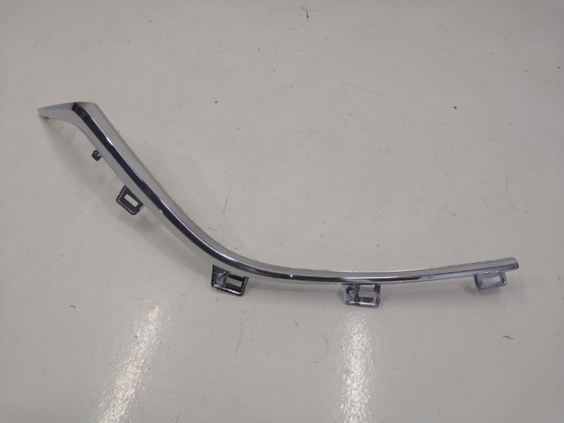 Молдинг решетки радиатора Mazda Mazda3 BM правый