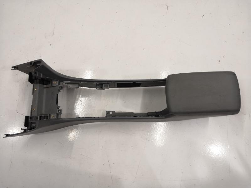 Центральная консоль с подлокотником Mazda Axela BK3P